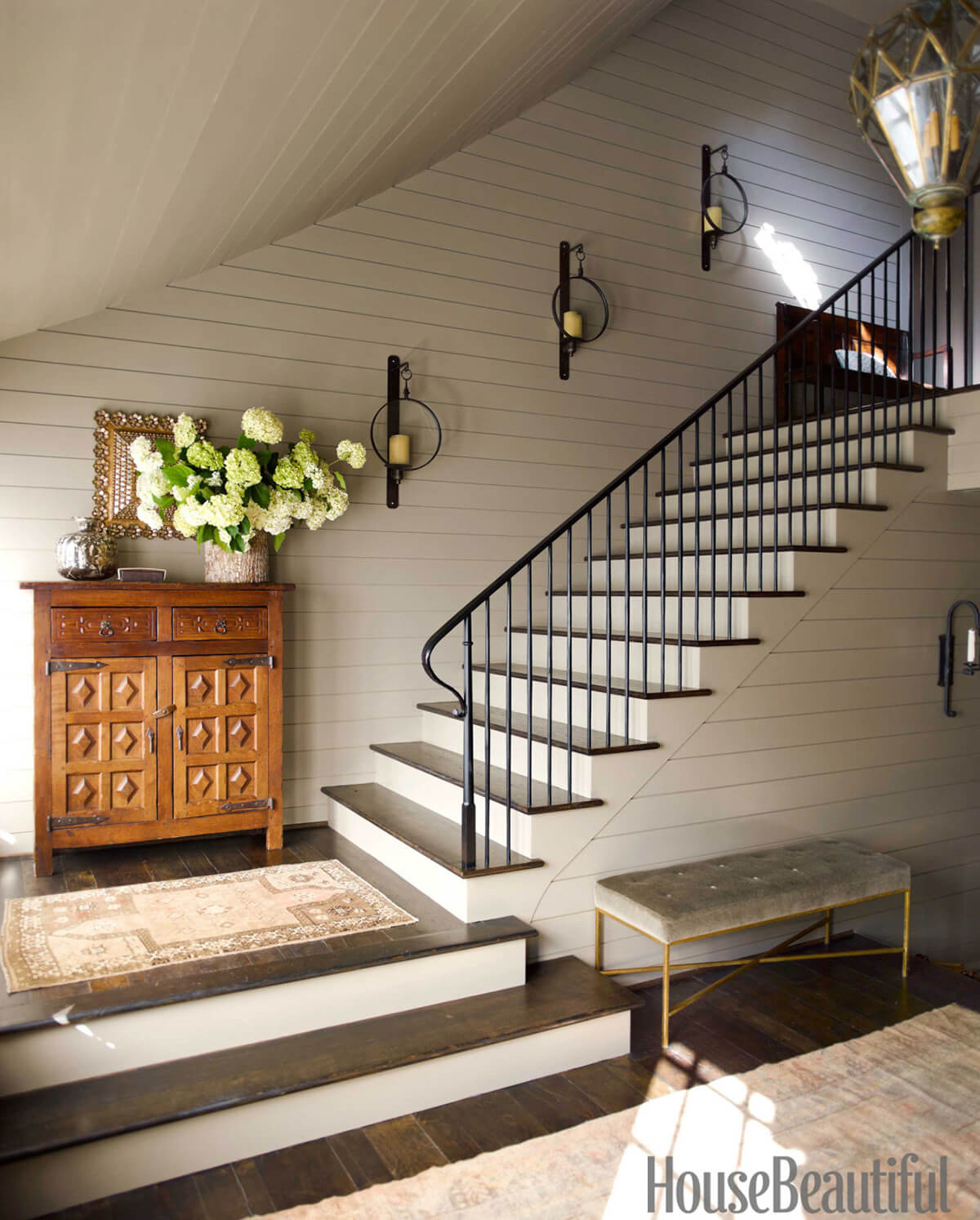decorate stairs ideas stairway decorating idea with sconces XZMEWIQ