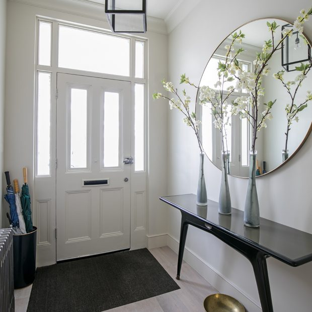 Hallway decorating ideas – Setup tips for a chic hallway ...