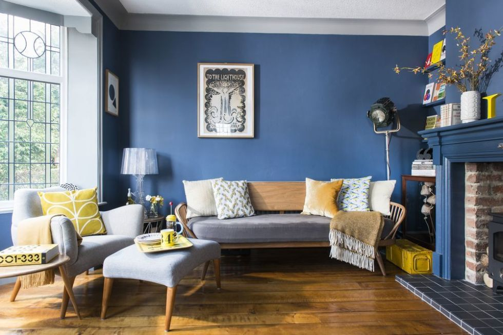 Retro Style living room blue retro living room inspired by books OXVZDQS