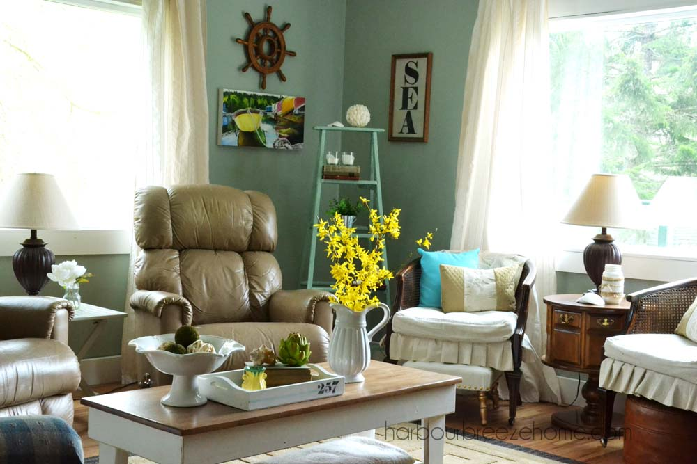 Spring decoration for the living room beach cottage spring living room decor | harbourbreezehome.com XKEJIPA