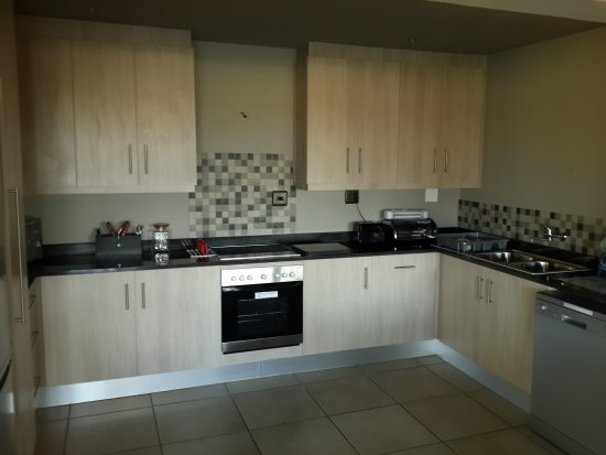 Stonehill River Lodge: KITCHEN: with built in cupboards