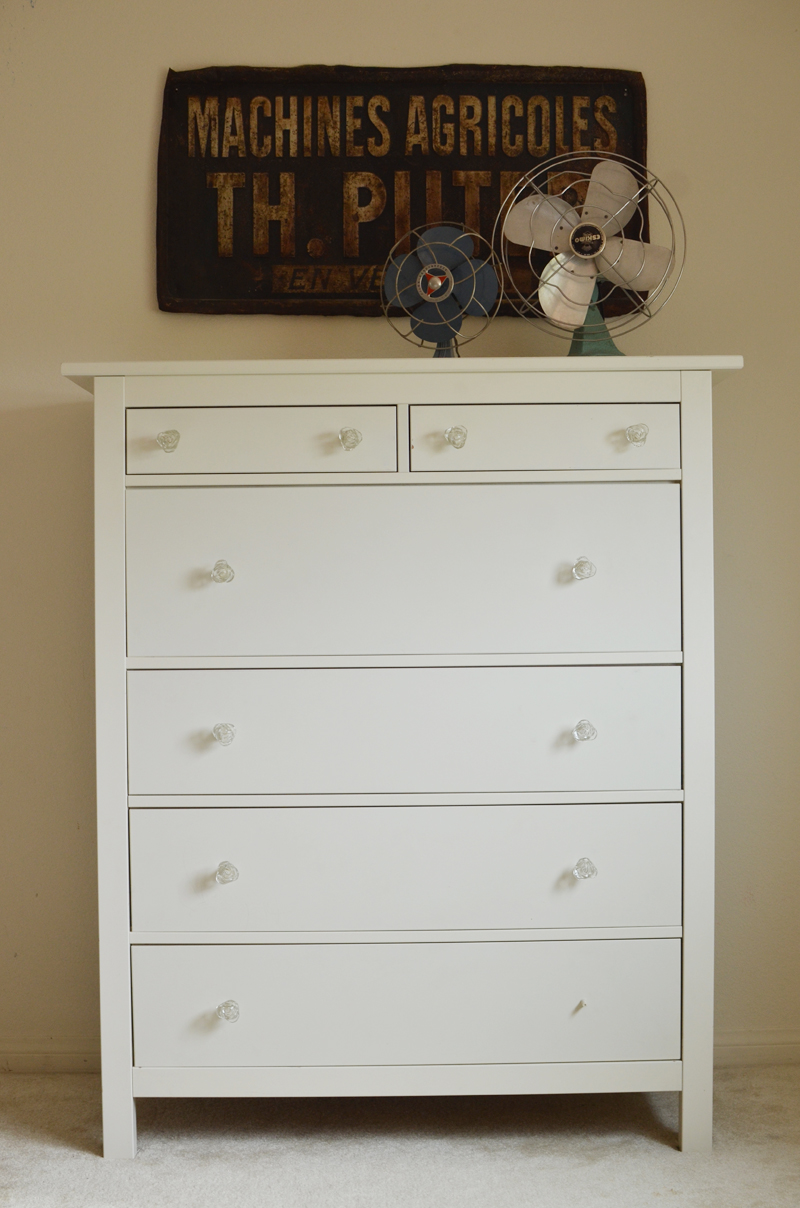 Mismatched Dresser Knobs Traveller Location