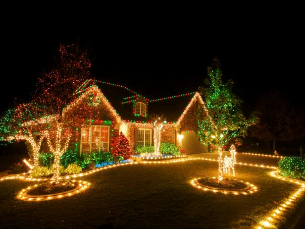 Hang Up Outdoor Christmas Light