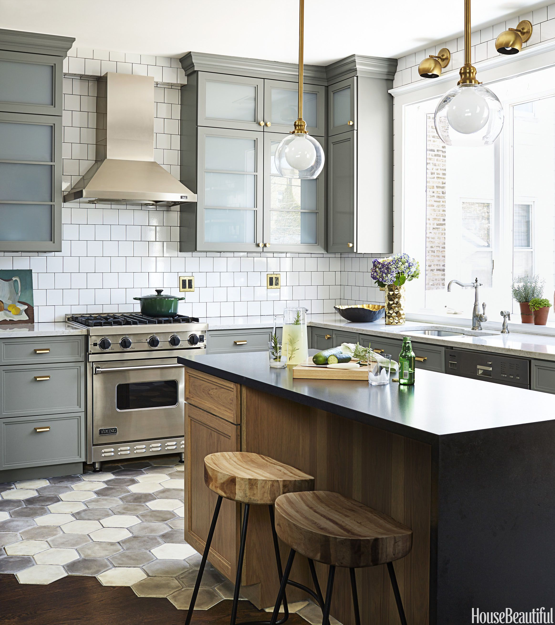 10 Totally Unique Ways To Tile Your Kitchen Floor