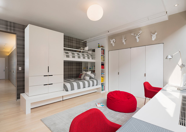 Meatpacking Loft: kids room modern-kids