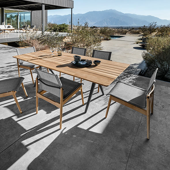 Modern Outdoor Furniture Art and Accessories | Cantoni