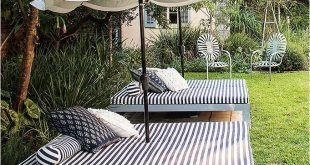 Create your own outdoor bed for laying out or snoozing. Great ideas at  Centsational Girl. | In My Yard | Pinterest | Outdoor beds, Diy patio and  Backyard