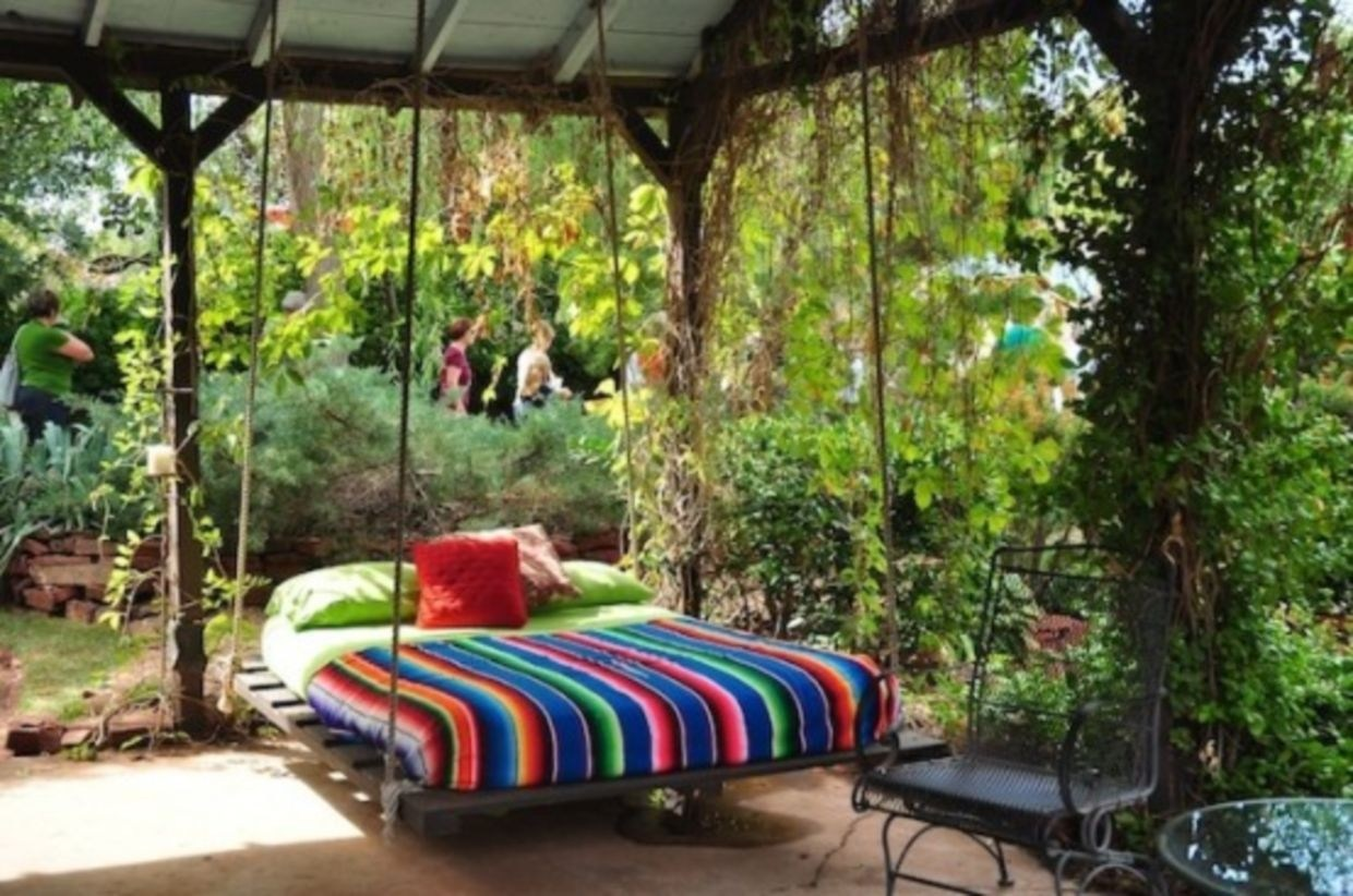 Relaxing outdoor hanging beds ideas for your home 37