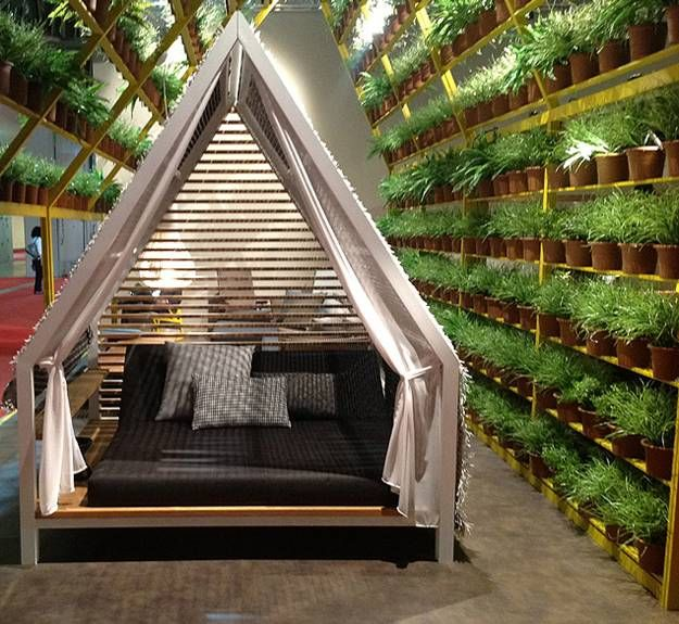 25 DIY Outdoor Bed Ideas, Summer Decorating with Spa Beds, Canopies and  Curtains