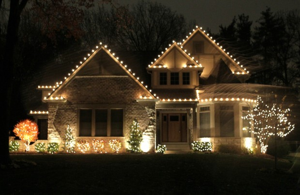 Dos and dont's of outdoor holiday lighting | Home and Garden