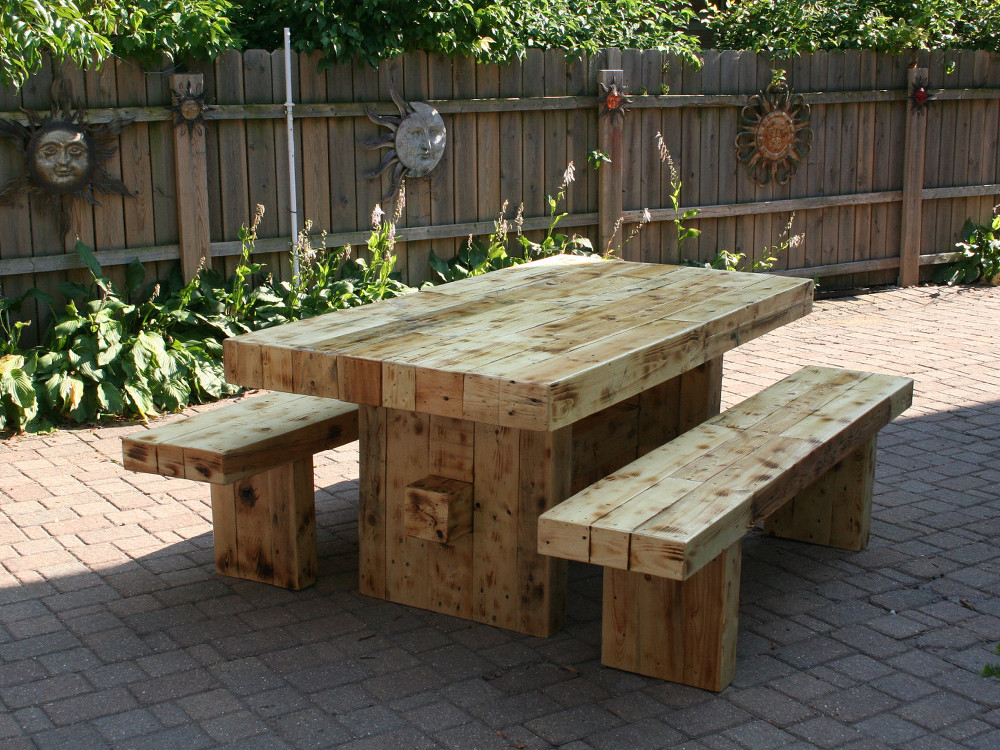 Traditional Outdoor Wood Furniture