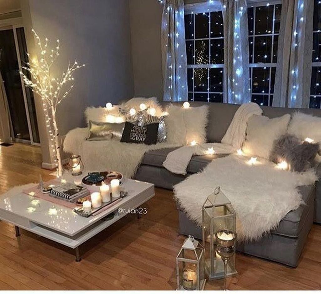 Nice 99 Best Winter Living Room Decoration Ideas. More at  https://99bestdecor