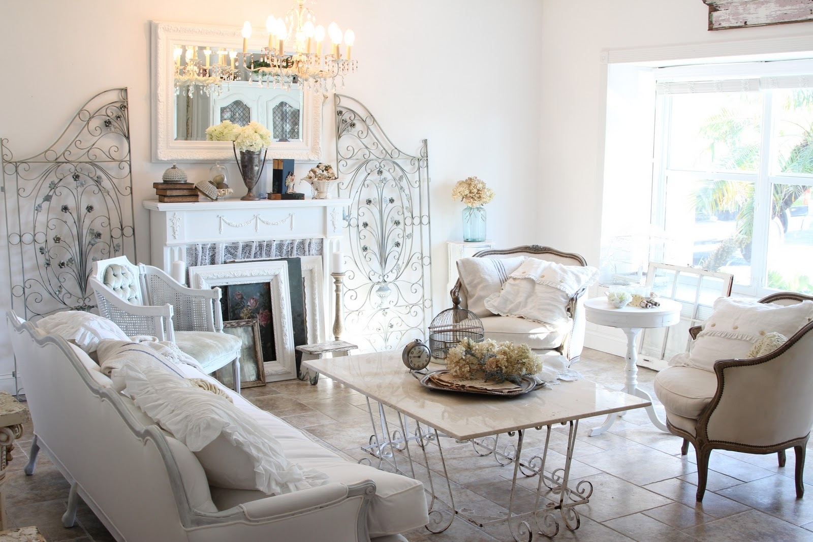 chabby chic living room with tufted sofa