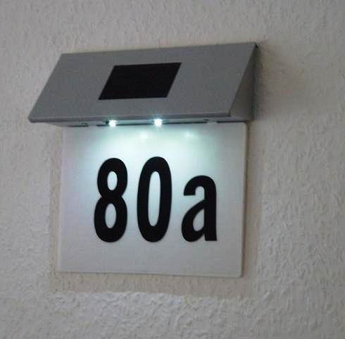 SOLAR POWERED 2 LED ILLUMINATED HOUSE DOOR NUMBER WALL LIGHT LIT UP