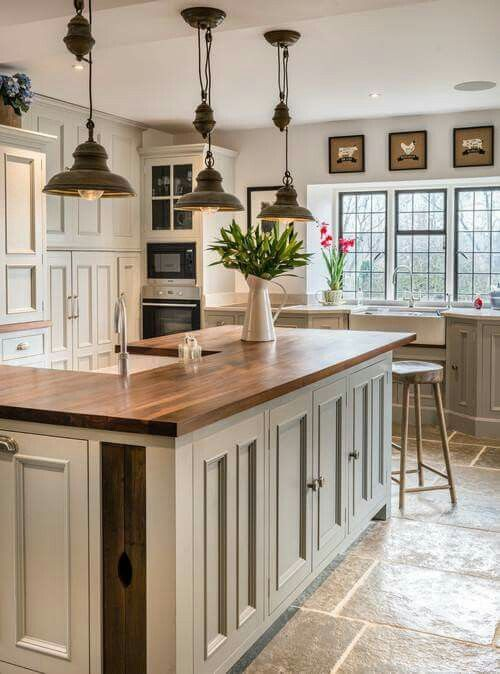 Make a Bold Statement With Farmhouse Lighting | kitchen inspiration